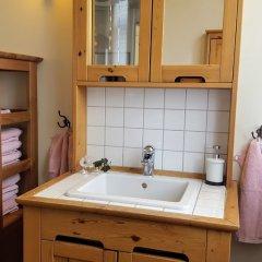 Отель Hagbackens Gård Bed & Breakfast Эребру ванная фото 2
