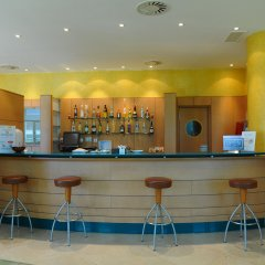 Hotel City Express Santander Parayas гостиничный бар