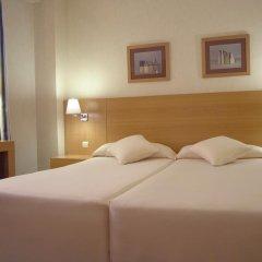 Отель Infanta Mercedes комната для гостей фото 5