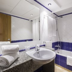 Azuline Hotel - Apartamento Rosamar ванная