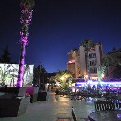 Dora Beach Hotel бассейн