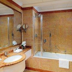 Отель The Westin Palace ванная фото 2