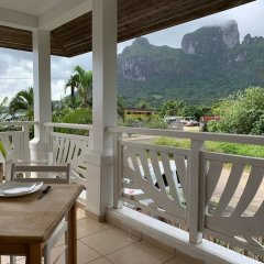 Отель Tiare Lodge Французская Полинезия, Бора-Бора - отзывы, цены и фото номеров - забронировать отель Tiare Lodge онлайн балкон