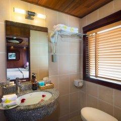 Отель Halong Scorpion Cruise ванная