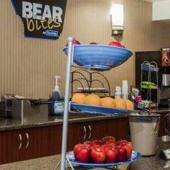 Отель Travelodge by Wyndham Sylmar CA США, Лос-Анджелес - отзывы, цены и фото номеров - забронировать отель Travelodge by Wyndham Sylmar CA онлайн питание фото 3