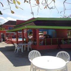Отель Shields Negril Villas LTD гостиничный бар
