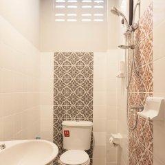 Отель Journey Guesthouse Таиланд, Пхукет - отзывы, цены и фото номеров - забронировать отель Journey Guesthouse онлайн ванная фото 2
