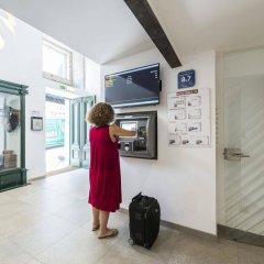 Отель Garret 48 Apartaments Лиссабон банкомат