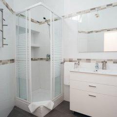 Отель Iakai Homes Opera Испания, Мадрид - отзывы, цены и фото номеров - забронировать отель Iakai Homes Opera онлайн ванная