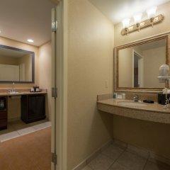 Отель Quality Inn & Suites США, Виксбург - отзывы, цены и фото номеров - забронировать отель Quality Inn & Suites онлайн ванная