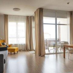 Гостиница Fenix Deluxe Apartment on Golubaya 5 в Сочи отзывы, цены и фото номеров - забронировать гостиницу Fenix Deluxe Apartment on Golubaya 5 онлайн комната для гостей фото 4