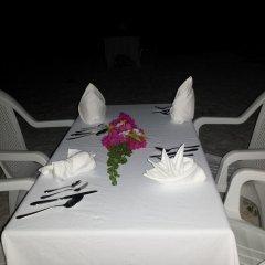 Отель Bahari Lodge Мальдивы, Атолл Каафу - отзывы, цены и фото номеров - забронировать отель Bahari Lodge онлайн питание