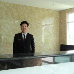 Отель Infinity Holiday Inn Бангкок интерьер отеля