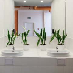 Orange Hotel ванная