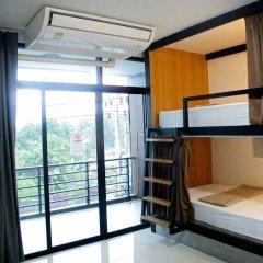 Отель Homey Donmueang Бангкок сейф в номере