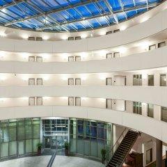 Отель NH Düsseldorf City интерьер отеля
