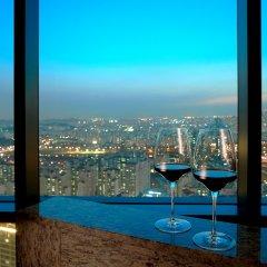 Отель Sheraton Seoul D Cube City Hotel Южная Корея, Сеул - отзывы, цены и фото номеров - забронировать отель Sheraton Seoul D Cube City Hotel онлайн бассейн фото 3