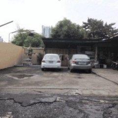 Апартаменты Nanthawan Apartment парковка