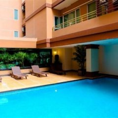 Апартаменты Chara Ville Serviced Apartment парковка