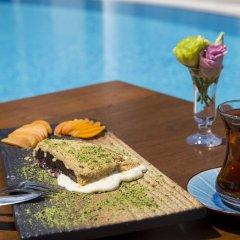 Port Alacati Hotel Чешме гостиничный бар