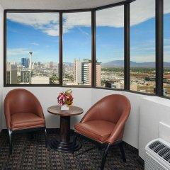 Отель the D Casino Hotel Las Vegas США, Лас-Вегас - 8 отзывов об отеле, цены и фото номеров - забронировать отель the D Casino Hotel Las Vegas онлайн балкон