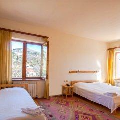 Hotel Mirhav комната для гостей