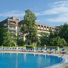Отель Lotos - Riviera Holiday Resort Болгария, Золотые пески - отзывы, цены и фото номеров - забронировать отель Lotos - Riviera Holiday Resort онлайн бассейн