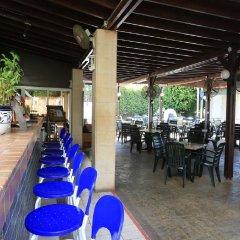 Jacaranda Hotel Apartments питание