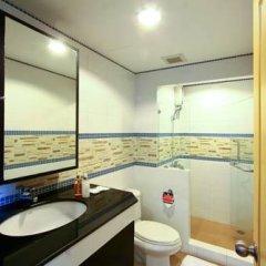 Отель The Laurel Suite Apartment Таиланд, Бангкок - отзывы, цены и фото номеров - забронировать отель The Laurel Suite Apartment онлайн ванная