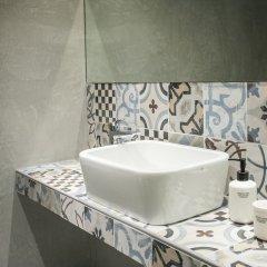 Отель Urban Stripes Греция, Афины - отзывы, цены и фото номеров - забронировать отель Urban Stripes онлайн ванная