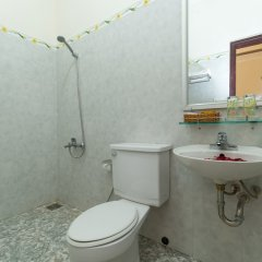 Отель Hoa Thu Homestay Хойан ванная