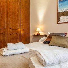 Отель Valencia Flat Rental Turia Gardens Валенсия комната для гостей