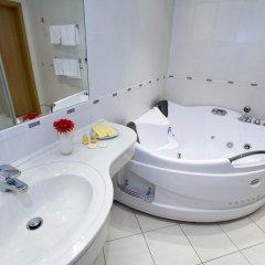 Отель Mama Shelter Prague Чехия, Прага - 10 отзывов об отеле, цены и фото номеров - забронировать отель Mama Shelter Prague онлайн ванная