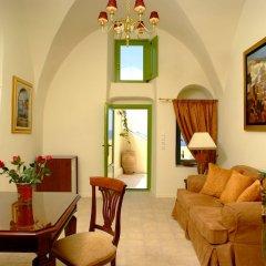 Отель Adamis Majesty Suites Греция, Остров Санторини - отзывы, цены и фото номеров - забронировать отель Adamis Majesty Suites онлайн комната для гостей фото 5