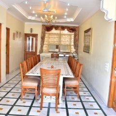 Отель Bajaj Indian Home Stay