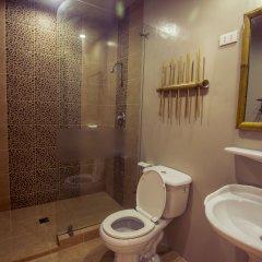 Отель Oasis Resort and Spas Филиппины, остров Боракай - отзывы, цены и фото номеров - забронировать отель Oasis Resort and Spas онлайн ванная