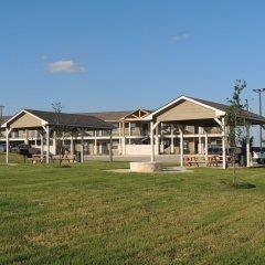 Отель Eagle's Den Suites at Kenedy США, Кенеди - отзывы, цены и фото номеров - забронировать отель Eagle's Den Suites at Kenedy онлайн