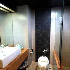 Отель Pinnacle Lumpinee Park Бангкок ванная