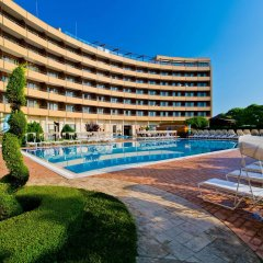 Отель Grand Hotel Pomorie Болгария, Поморие - 2 отзыва об отеле, цены и фото номеров - забронировать отель Grand Hotel Pomorie онлайн бассейн фото 2