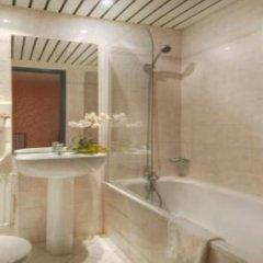 Отель Cujas Pantheon Франция, Париж - отзывы, цены и фото номеров - забронировать отель Cujas Pantheon онлайн ванная фото 2