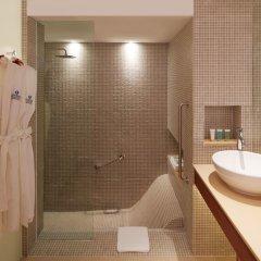 Отель Outrigger Laguna Phuket Beach Resort ванная фото 2