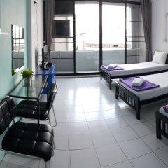 De Talak Hostel Бангкок комната для гостей фото 5