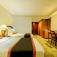 Makati Palace Hotel комната для гостей фото 5