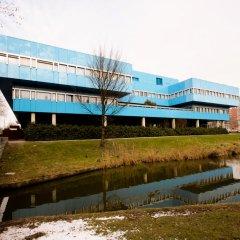 Отель Best Western Plus Blue Square Нидерланды, Амстердам - 4 отзыва об отеле, цены и фото номеров - забронировать отель Best Western Plus Blue Square онлайн приотельная территория фото 2