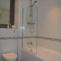 Апартаменты 2 Bedroom Apartment With Balcony Overlooking River ванная