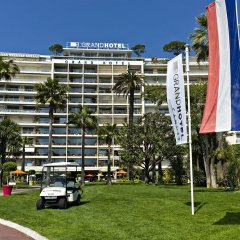 Le Grand Hotel Cannes парковка