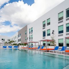 Отель Aloft Delray Beach США, Делри-Бич - отзывы, цены и фото номеров - забронировать отель Aloft Delray Beach онлайн бассейн фото 3