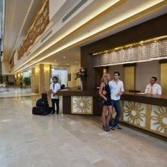 Отель Crystal Tat Beach Golf Resort & Spa интерьер отеля