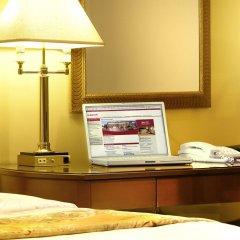 Отель Marriott Armenia Hotel Yerevan Армения, Ереван - 12 отзывов об отеле, цены и фото номеров - забронировать отель Marriott Armenia Hotel Yerevan онлайн удобства в номере фото 2