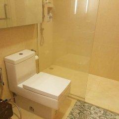 Отель Cozy One Bedroom Condo In Nana Asoke Бангкок ванная